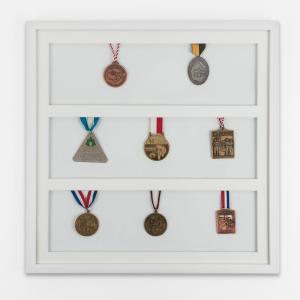 Rama na medale 50x50 cm, biała
