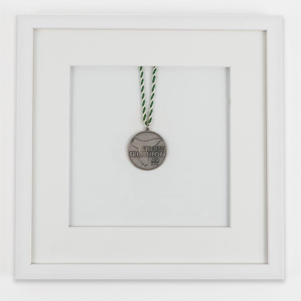 Rama na medale 30x30 cm, biała