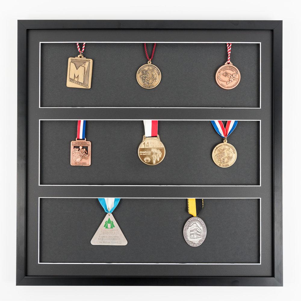 Rama na medale 50x50 cm, czarna