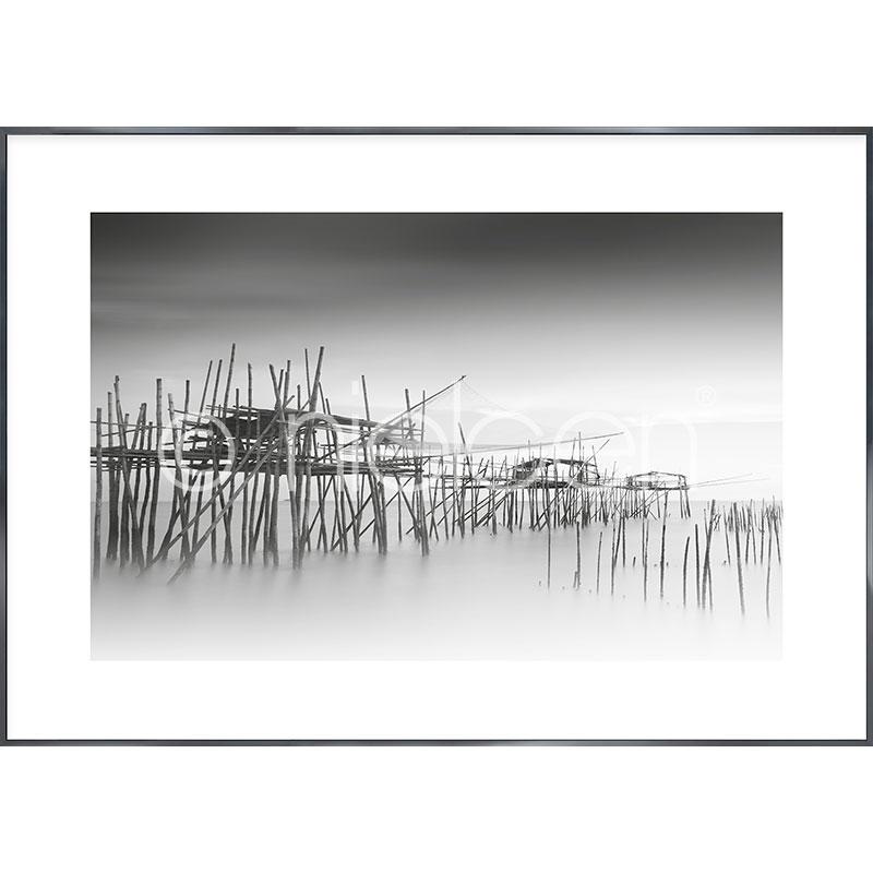 """Obramowany obraz """"Malaysian Fishing III"""" z ramą aluminiową Alpha"""