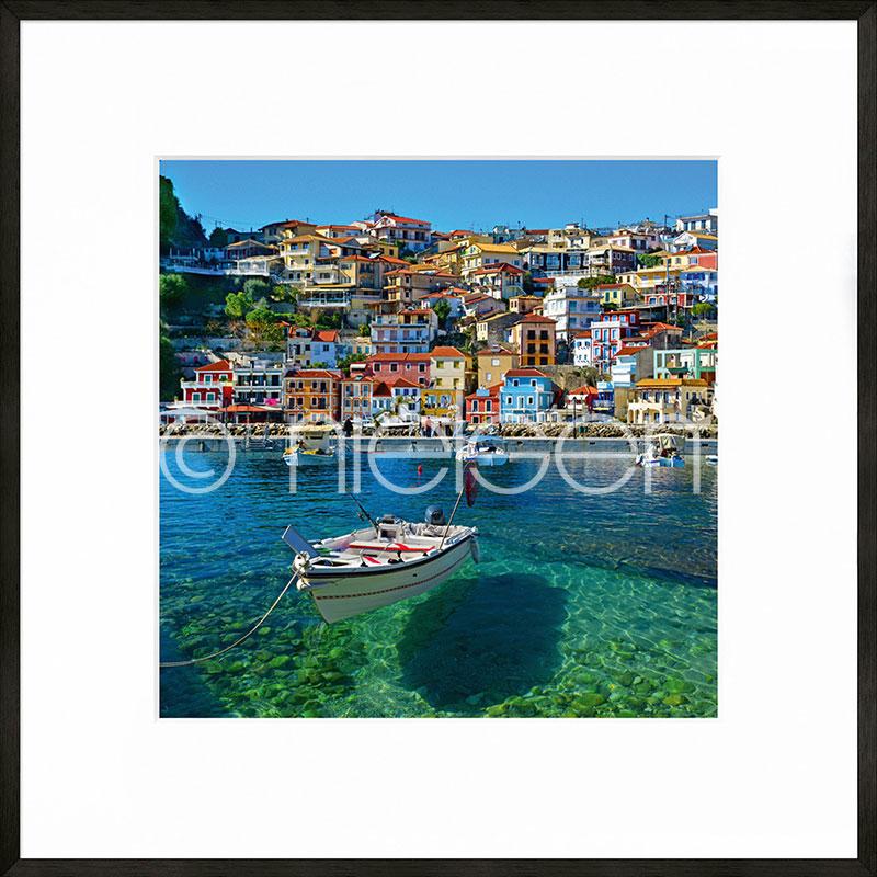 """Obramowany obraz """"Parga Boat Greece"""" z ramą aluminiową C2"""