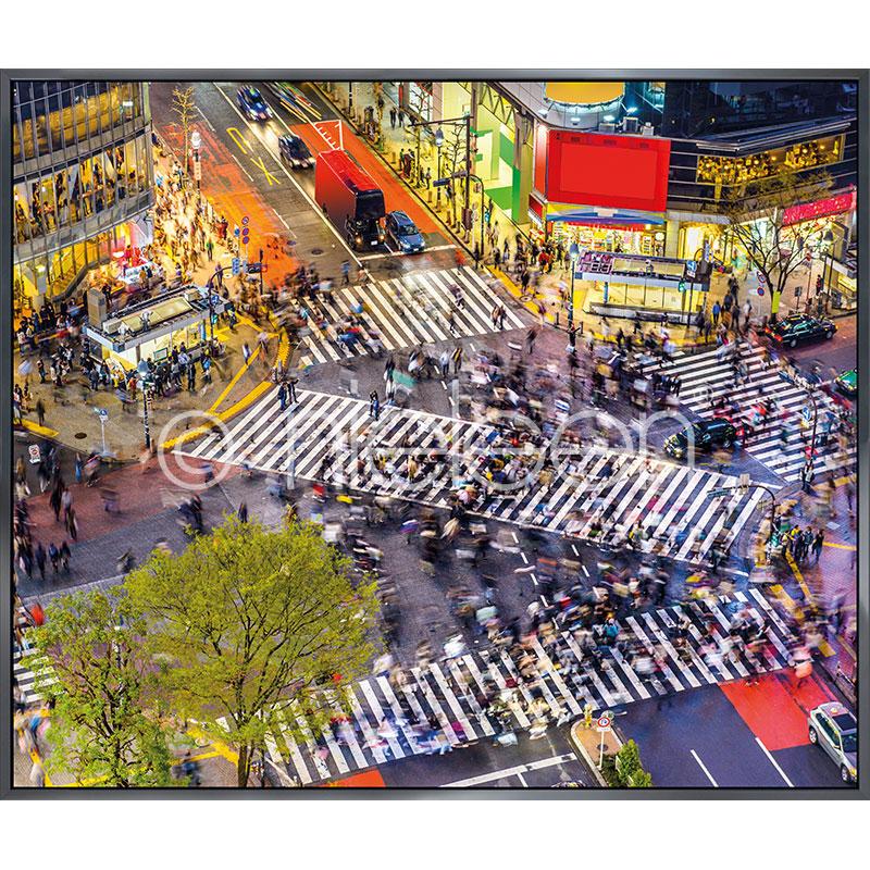"""Obramowany obraz """"Tokyo Crosswalks"""" z ramą aluminiową Alpha"""