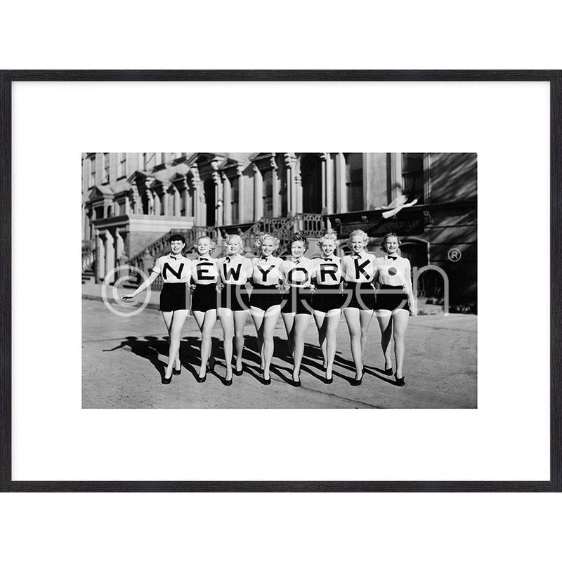 """Obramowany obraz """"Chorus Line"""" z ramą drewnianą Quadrum"""