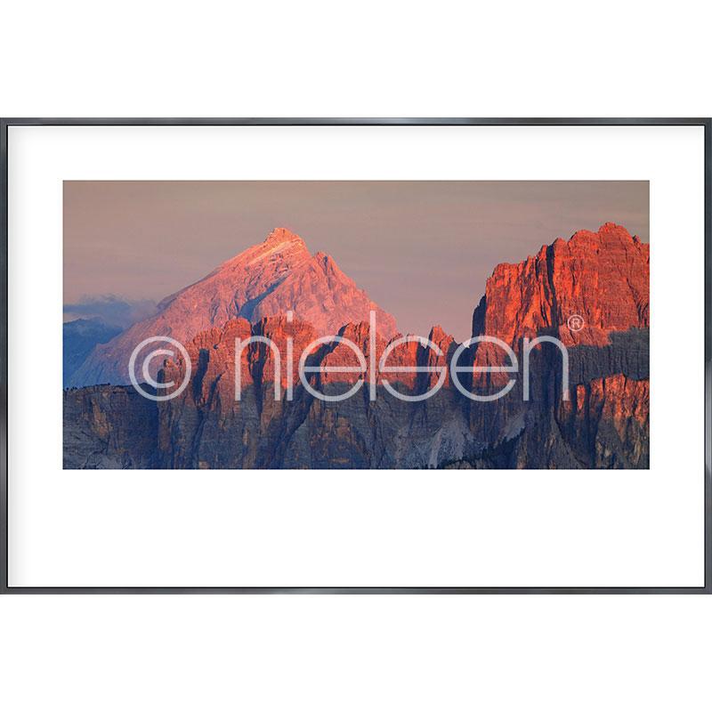 """Obramowany obraz """"Dolomite Alps"""" z ramą aluminiową Alpha"""