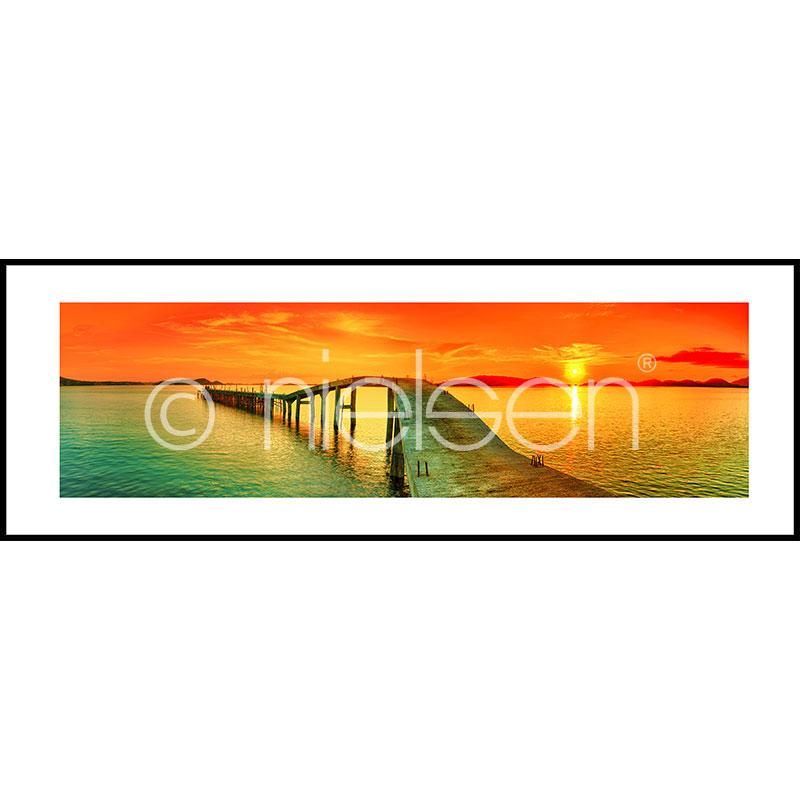 """Obramowany obraz """"Footbridge Sunset"""" z ramą aluminiową C2"""